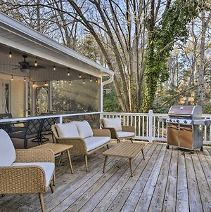 Idyllic Lakefront Getaway With Dock And Game Room photos Exterior