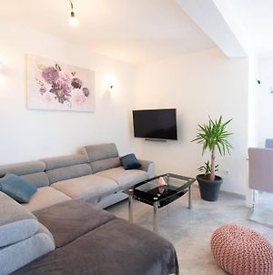 Beautiful New Apartment Perfect For 4 Persons photos Exterior