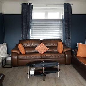 Holiday Home, West Wales Sleeps 6 People photos Exterior