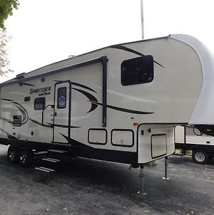 Air Conditioned 2018 Rv Trailer In Secure Yard photos Exterior