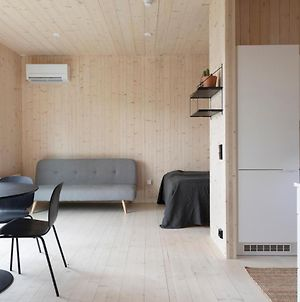 Peaceful Scandinavian Tiny House Near Airport photos Exterior