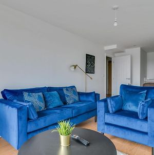 Lovely Riverside 2 Bed Apartment photos Exterior