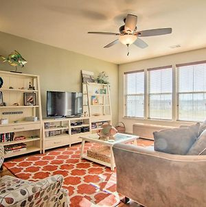 Charming Townhome With Patio, Less Than 5 Mi To Beach! photos Exterior
