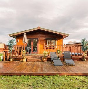 Woodland Lodge With Hot Tub photos Exterior