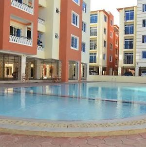 Mombasa Luxurious Apartment photos Exterior