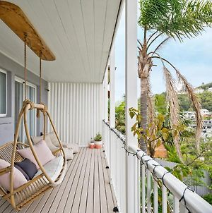 Stylish Beach Home // Moments From Water photos Exterior