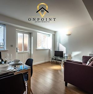 Onpoint Apartments - Excellent 2 Bed Apartment With Parking photos Exterior