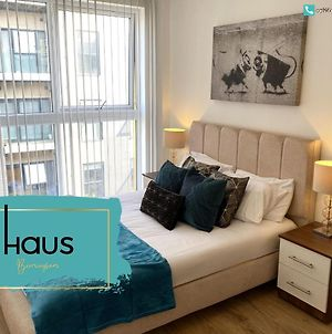 Haus Apartments 2 Bedroom With Parking photos Exterior