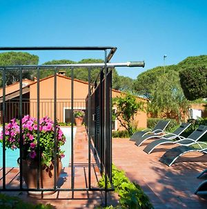 Splendid Holiday Home In Frejus With Swimming Pool photos Exterior