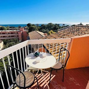 Bright Studio With Balcony 400M From The Beach photos Exterior