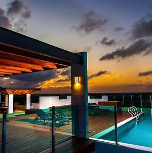 Relax In This Stylish Condo With Infinity Pools photos Exterior