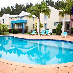 Relaxed Home // Pool // 2 Min To Beach photos Exterior