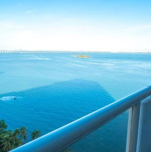 Delightful Miami Waterfront 2 Bedroom, 2 Bathroom Apartment With Pools, Views & More, Sleeps 4 photos Exterior