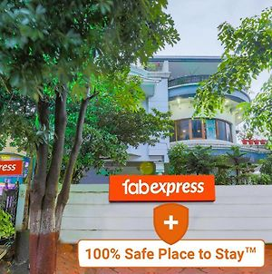 Fabexpress Abc View - Fully Vaccinated Staff photos Exterior