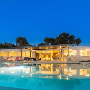 Villa Yana With Direct Sea Access, Large Pool & Heated Jacuzzi photos Exterior
