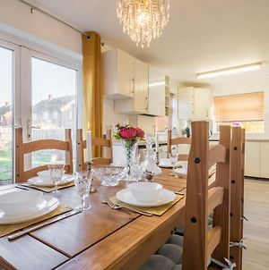 Luxury Character Home Free Parking, Wifi, Self Check-In, Near Luton Hospital photos Exterior