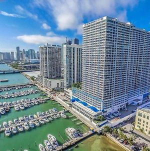 Fabulous Apartment On Biscayne Bay Close To Downtown Miami 2 Bedrooms 2 Bath Spectacular Views photos Exterior
