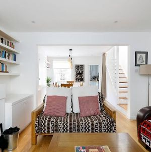 Superb 2 Bed Townhouse Next To The Level Park photos Exterior