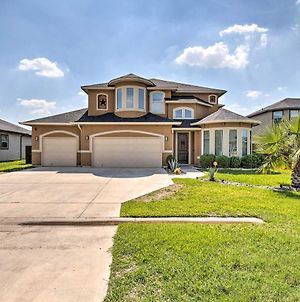 Spacious Selma House With Movie Theater And Yard! photos Exterior