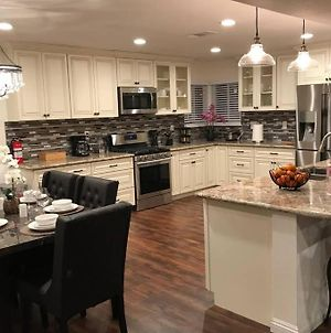 Newly Remodeled Home. Nearby Disneyland And More! photos Exterior