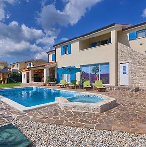 Amazing Home In Folici With Outdoor Swimming Pool, Wifi And 5 Bedrooms photos Exterior