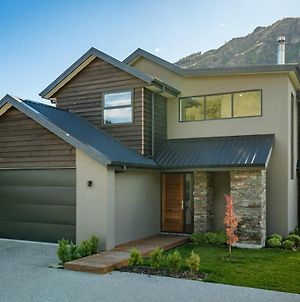 Mountain View Villa - Arrowtown Holiday Home photos Exterior