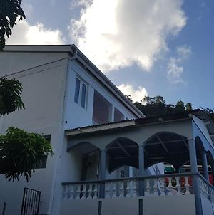 Charming Tropical 2-Bed House In Soufriere photos Exterior