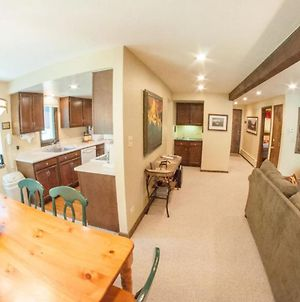 Creekside 2 Bedroom East Vail Condo #602. Steps To The Shuttle Stop. photos Exterior