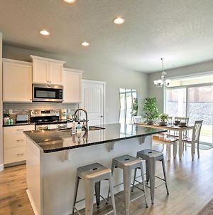 Modern Kennewick Home Near Golfing And Wineries photos Exterior
