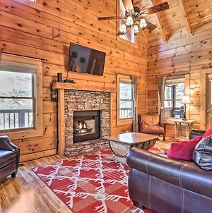 Cozy Cabin With Hot Tub In The Heart Of Pigeon Forge photos Exterior