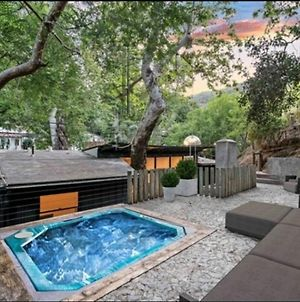 Bohemian Beverly Hills Private Rooms With Hot Tub, Fireplaces photos Exterior