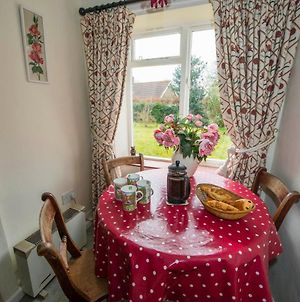 2 Bedroomed Cottage Near Quay photos Exterior