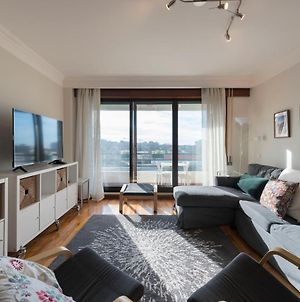 Lovelystay - Charming 3Br Flat W/ Free Parking In Devesas photos Exterior