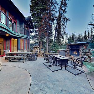Ski-In, Ski-Out Estate With Hot Tub & Steam Room Home photos Exterior