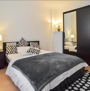 Cozy Room In Stuttgart Near Center With Shared Bathroom And Kitchen photos Exterior