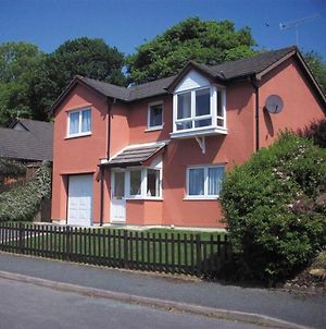 Modern Holiday Home In Saundersfoot With Terrace photos Exterior
