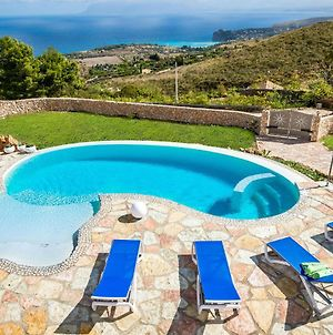 Nice Small Villa With Private Pool And Wonderful Seaview photos Exterior