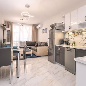 Stylish Residential Flat ~ With Parking & Balcony photos Exterior