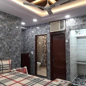 Best Location Of Delhi, Foreigners Area Luxury Room With Attached Kitchen And Washroom photos Exterior