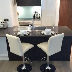 **Luxury One Bed** With Private Parking photos Exterior