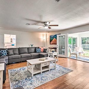 Retreat With Sunroom And Grill, 1 4 Mi To Beach! photos Exterior