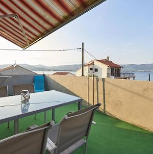 Apartment In Slatine With Sea View, Terrace, Air Conditioning, Wi-Fi photos Exterior