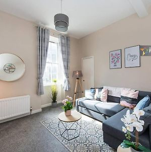Downtown And Central 1 Bed In Edinburgh, Sleeps 4 photos Exterior