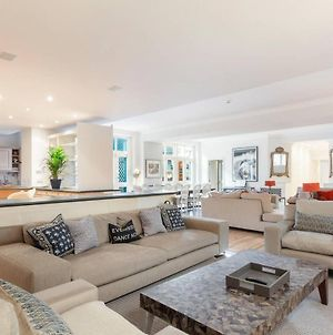 The Heart Of Chelsea - Modern & Bright 3Bdr Home With Gym, Parking & Patio photos Exterior