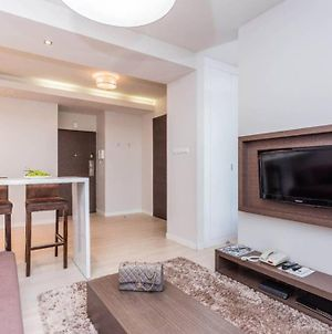 Luxury And Stylish- Golden Apartments-Platinum Towers&1108 photos Exterior
