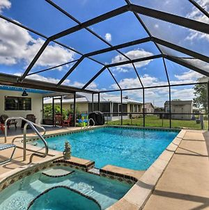 Heated Pool, Spacious Getaway W/Fire Pit & Grill! photos Exterior