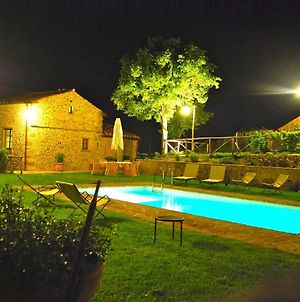 Attractive Holiday Home In Cortona With Swimming Pool photos Exterior