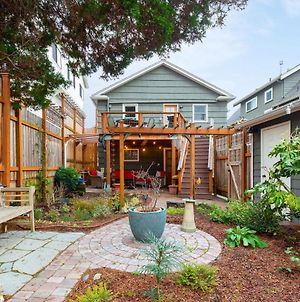 Greenlake Craftsman Home With Hot Tub & Garden - Perfect For Staycations For The Entire Family photos Exterior
