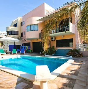 Walking Distance To The Centre - Snooker Table - Private Pool - 5 Bedrooms photos Exterior