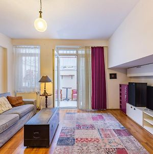 Lovely Apartment Near Trendy Attractions In The Center Of Kadikoy photos Exterior